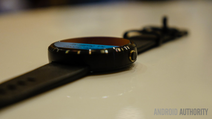moto-360-first-look-11-of-12-710x399